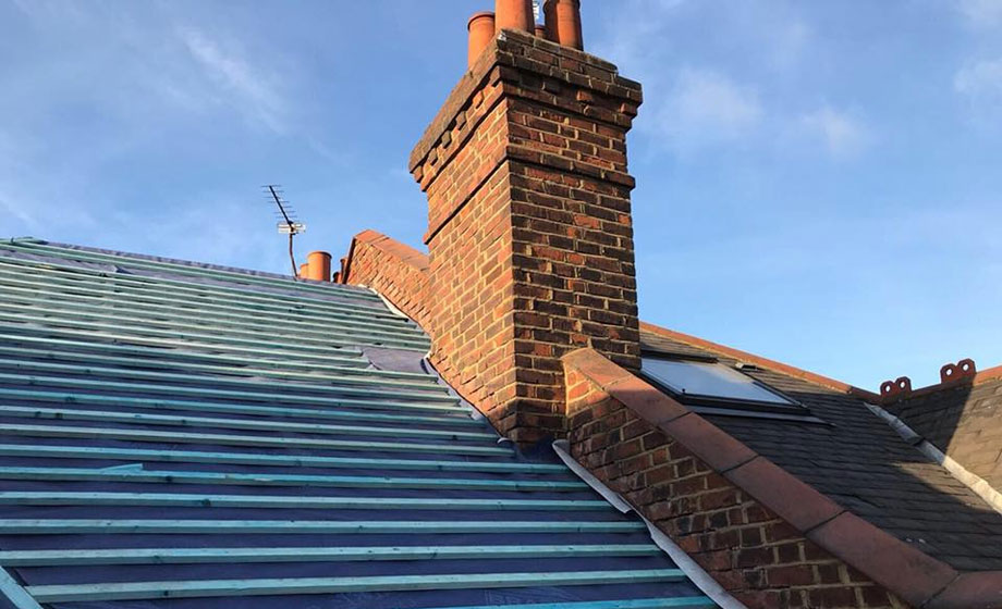 When Is the Best Time of Year to Replace my Roof?When Is the Best Time of Year to Replace my Roof?