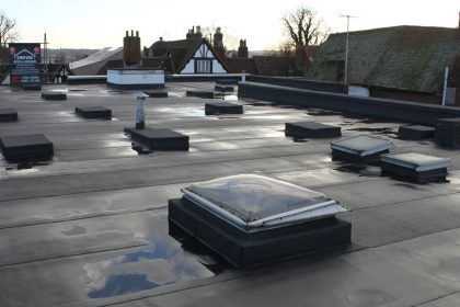 What are the Advantages of a Flat Roof?