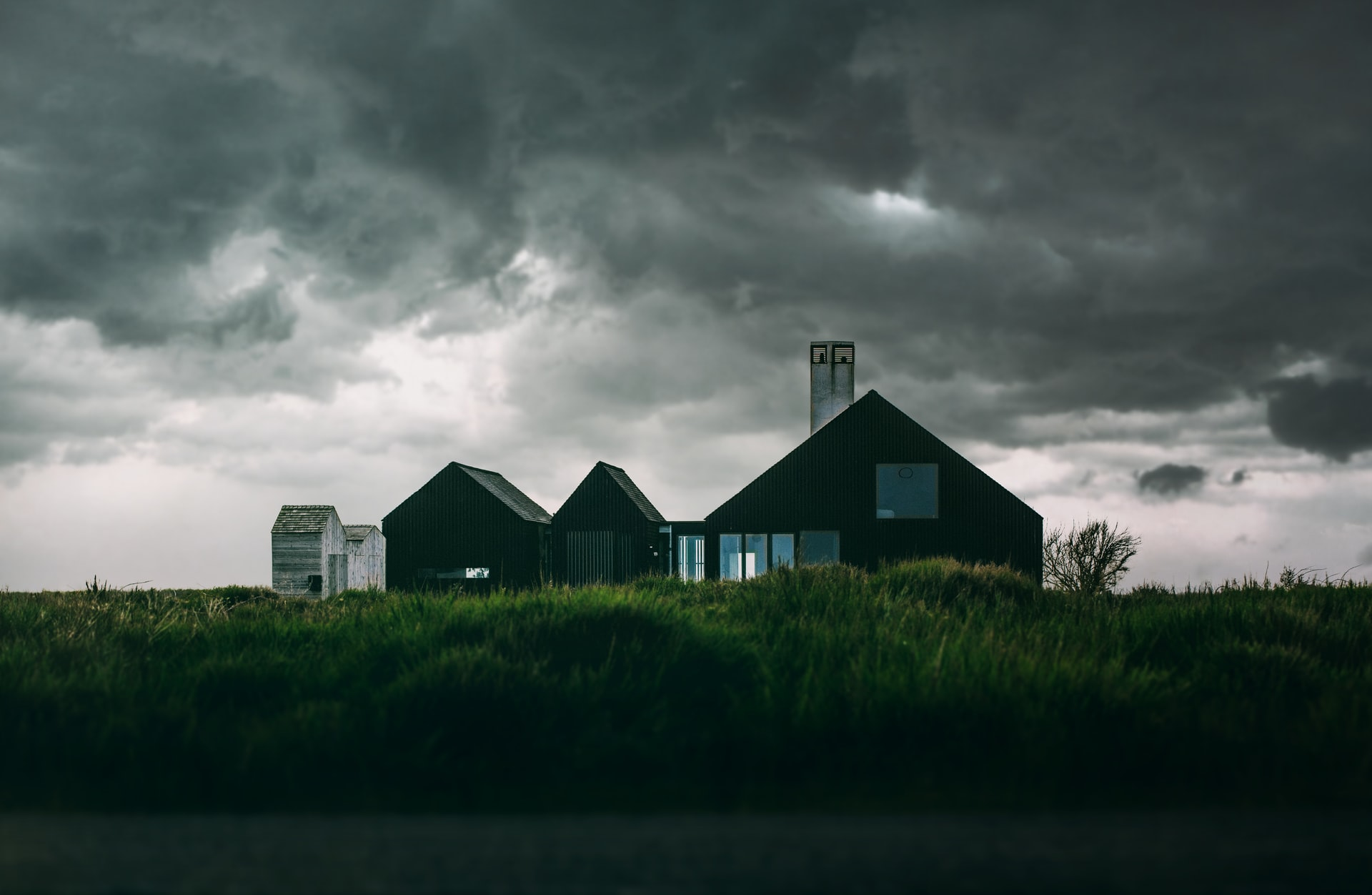 Strong Winds and Your Roof — What to Look out for After a Storm