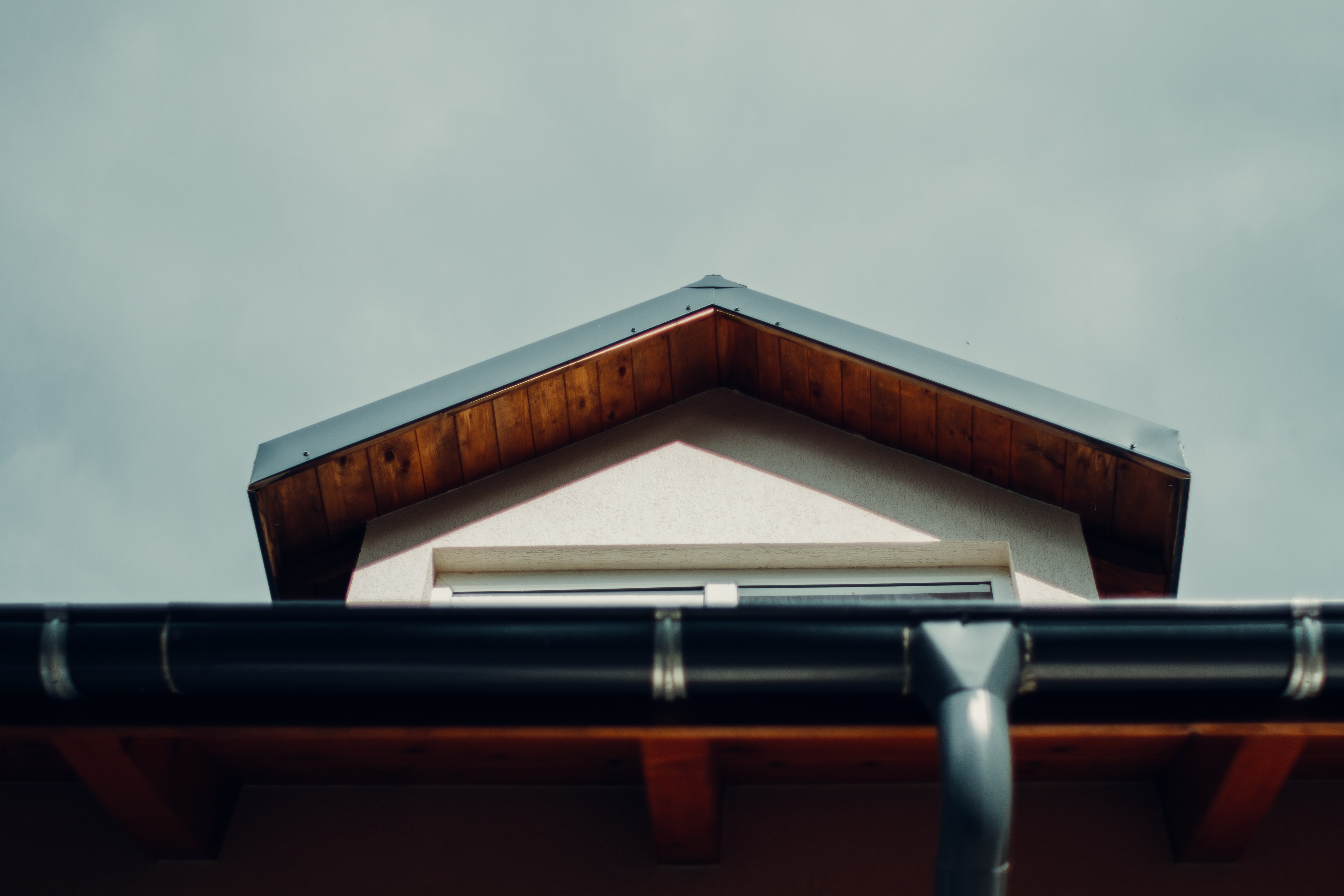 Why Is Cleaning Gutters Essential at this Time of Year?